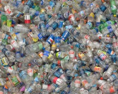 2.000.000 πλαστικά μπουκάλια πετιούνται κάθε 5 λεπτά